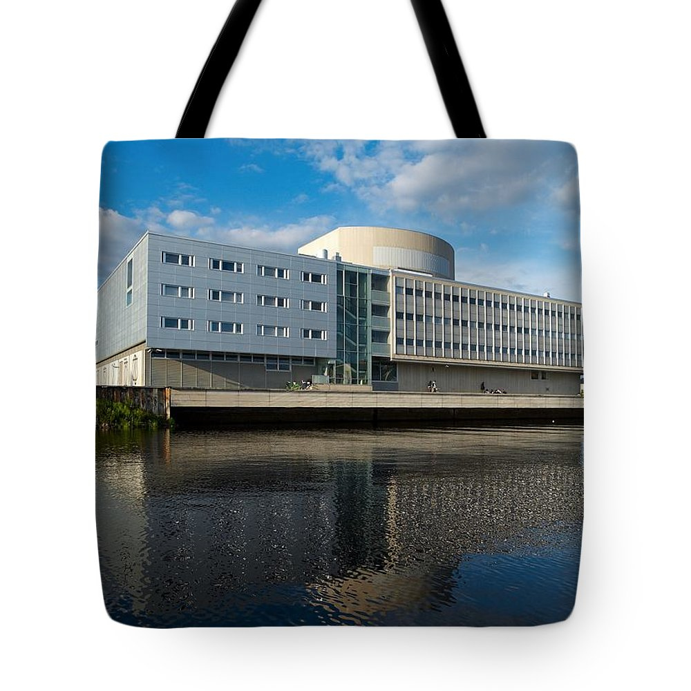 Lehtokukka Tote Bag featuring the photograph The Theatre Of Oulu 2 by Jouko Lehto