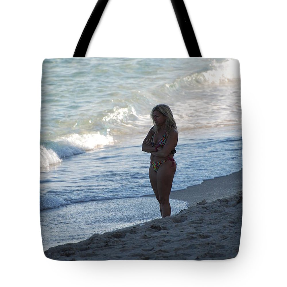 Sea Scape Tote Bag featuring the photograph The Thinking Women by Rob Hans