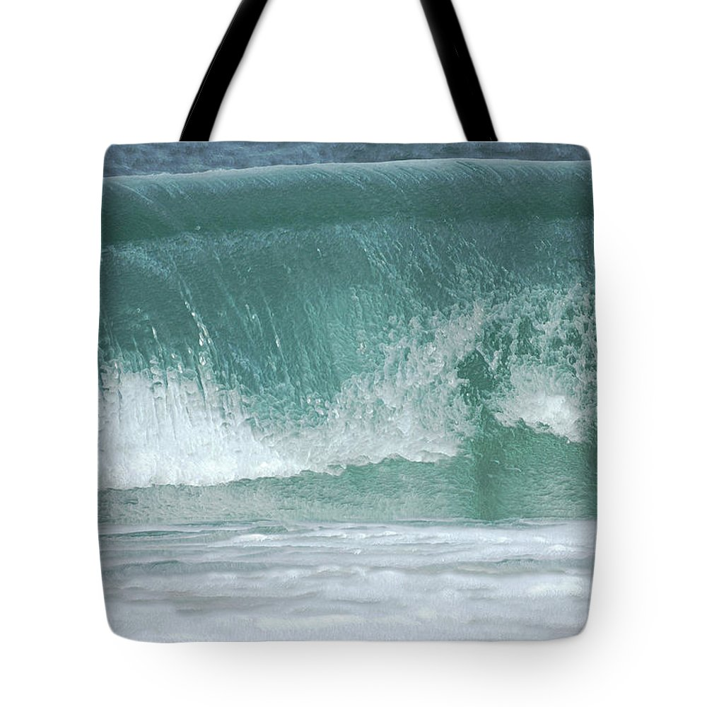 Beaches Tote Bag featuring the photograph The Wave De by Ernie Echols