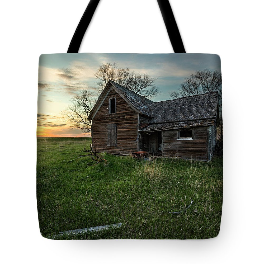 Sky Tote Bag featuring the photograph The Way She Goes by Aaron J Groen