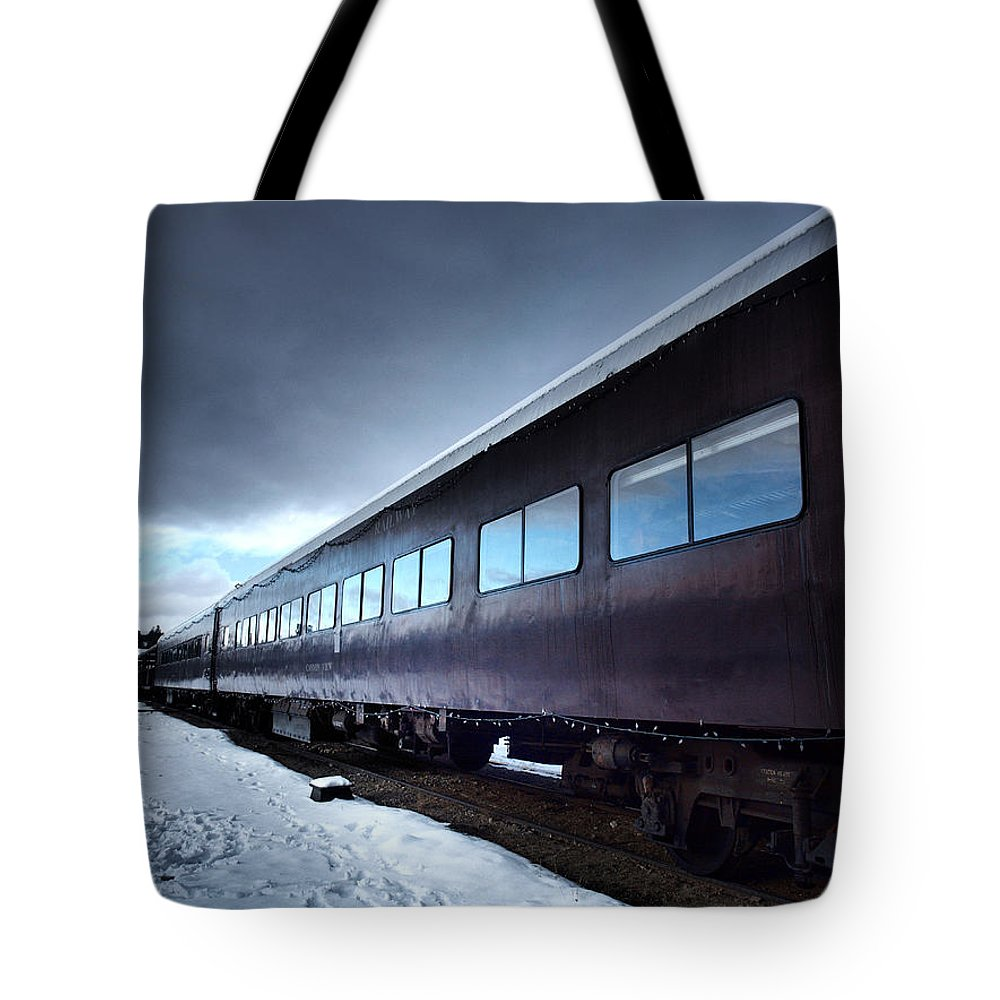 Train Tote Bag featuring the photograph The Windows Of The Train by Tara Turner