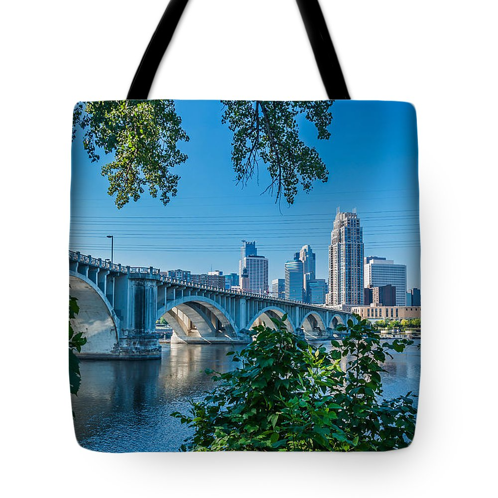 Third Avenue Bridge; Bridge; Mississippi River; St. Anthony Riverplace; Minneapolis Tote Bag featuring the photograph Third Avenue Bridge Over Mississippi River by Lonnie Paulson