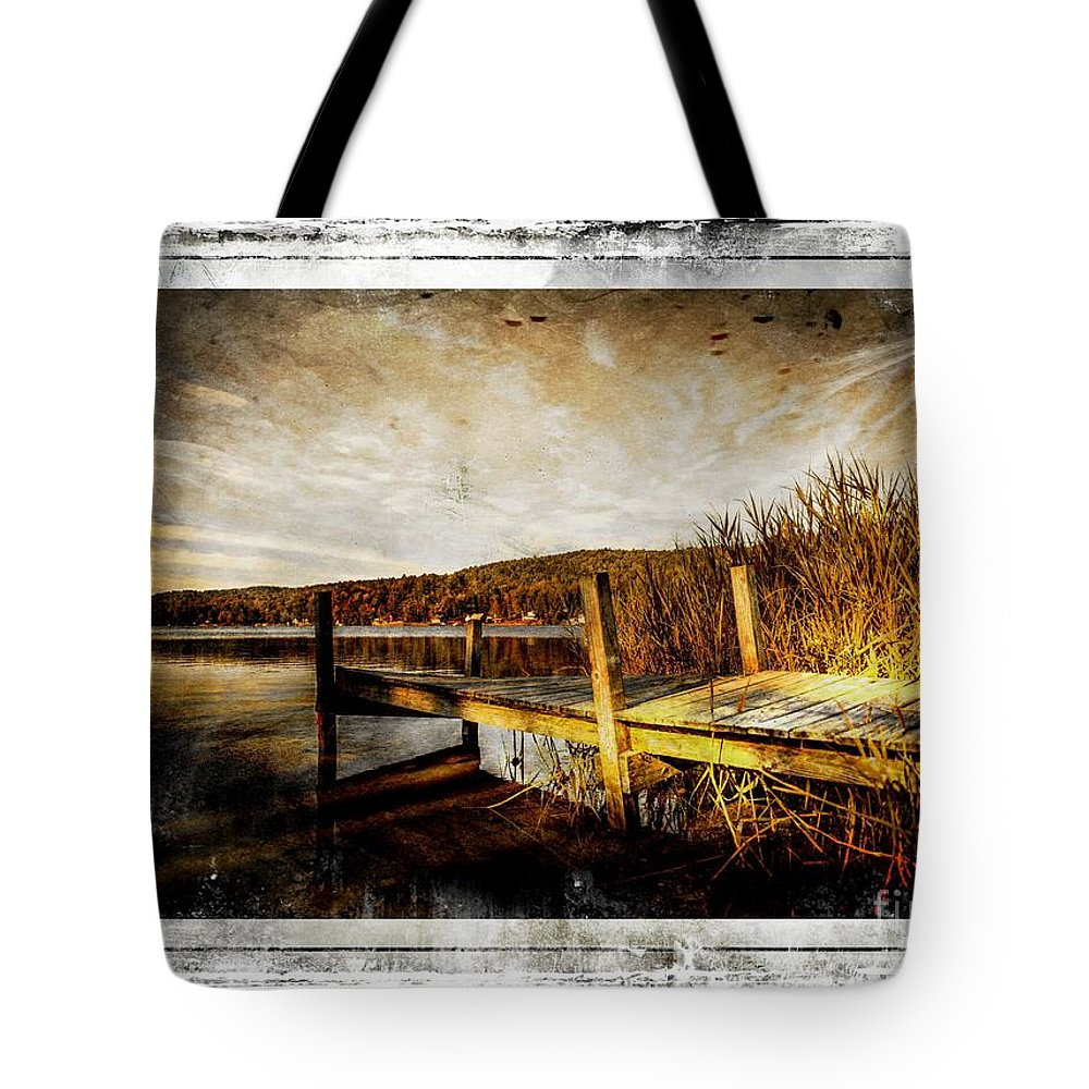 Pier Tote Bag featuring the photograph This Ole Pier by Sherman Perry