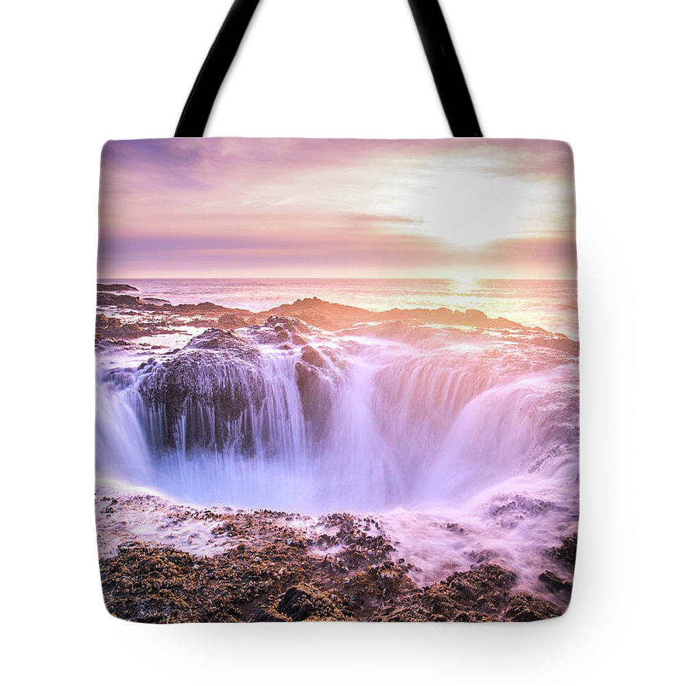 Ocean Tote Bag featuring the photograph Thor's Well by Travis Elder