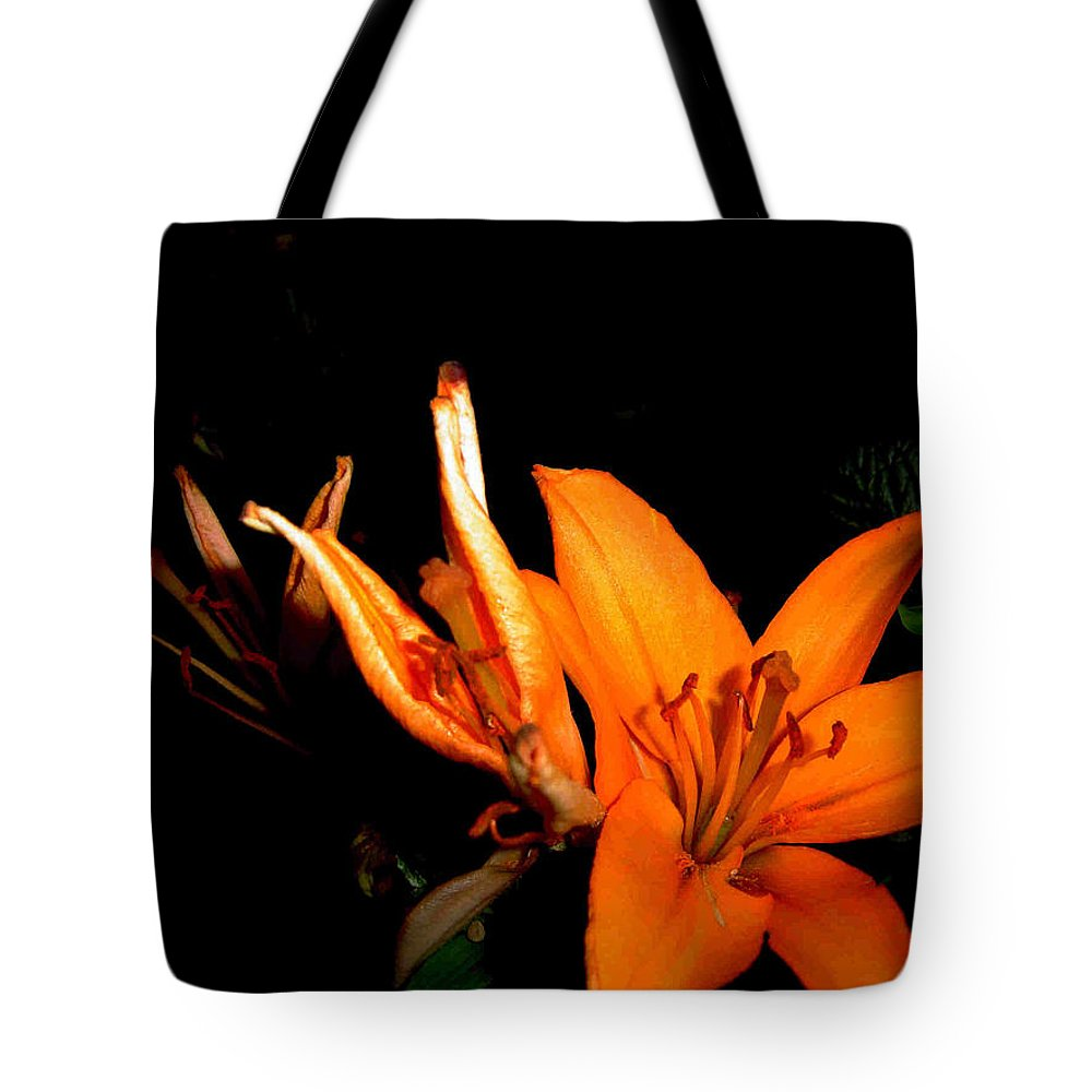 Tiger Lily Tote Bag featuring the photograph Tiger Lily by Joanne Smoley