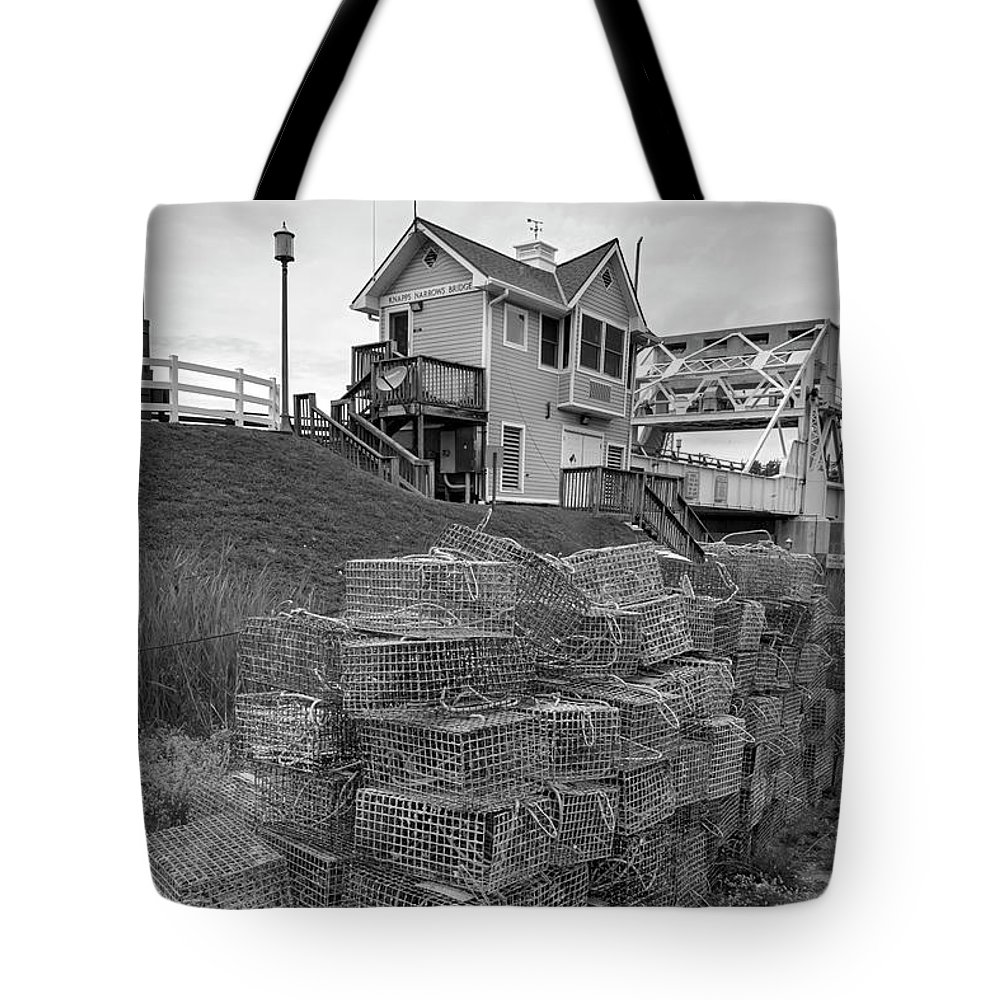 2d Tote Bag featuring the photograph Tilghman Island Bridge by Brian Wallace