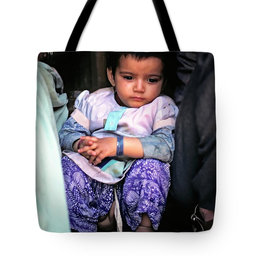 India Tote Bag featuring the photograph Tiny Tinkler by Steve Harrington