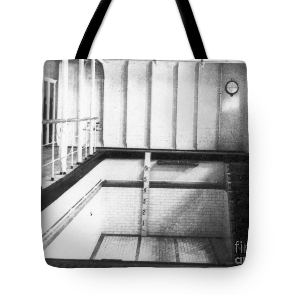 1912 Tote Bag featuring the photograph Titanic: Swimming Pool by Granger