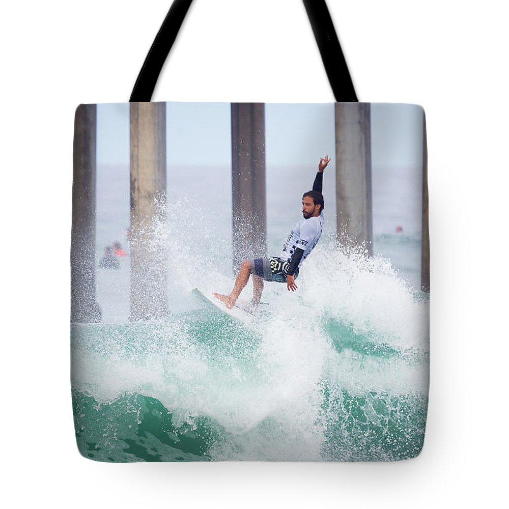 Us Open Of Surfing 2017 Tote Bag featuring the photograph Tomas Heremes 4306 by Brian Knott Photography