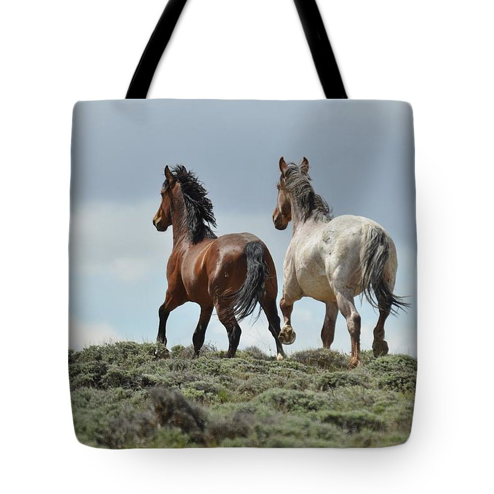 Wild Horses Tote Bag featuring the photograph Too Beautiful by Frank Madia