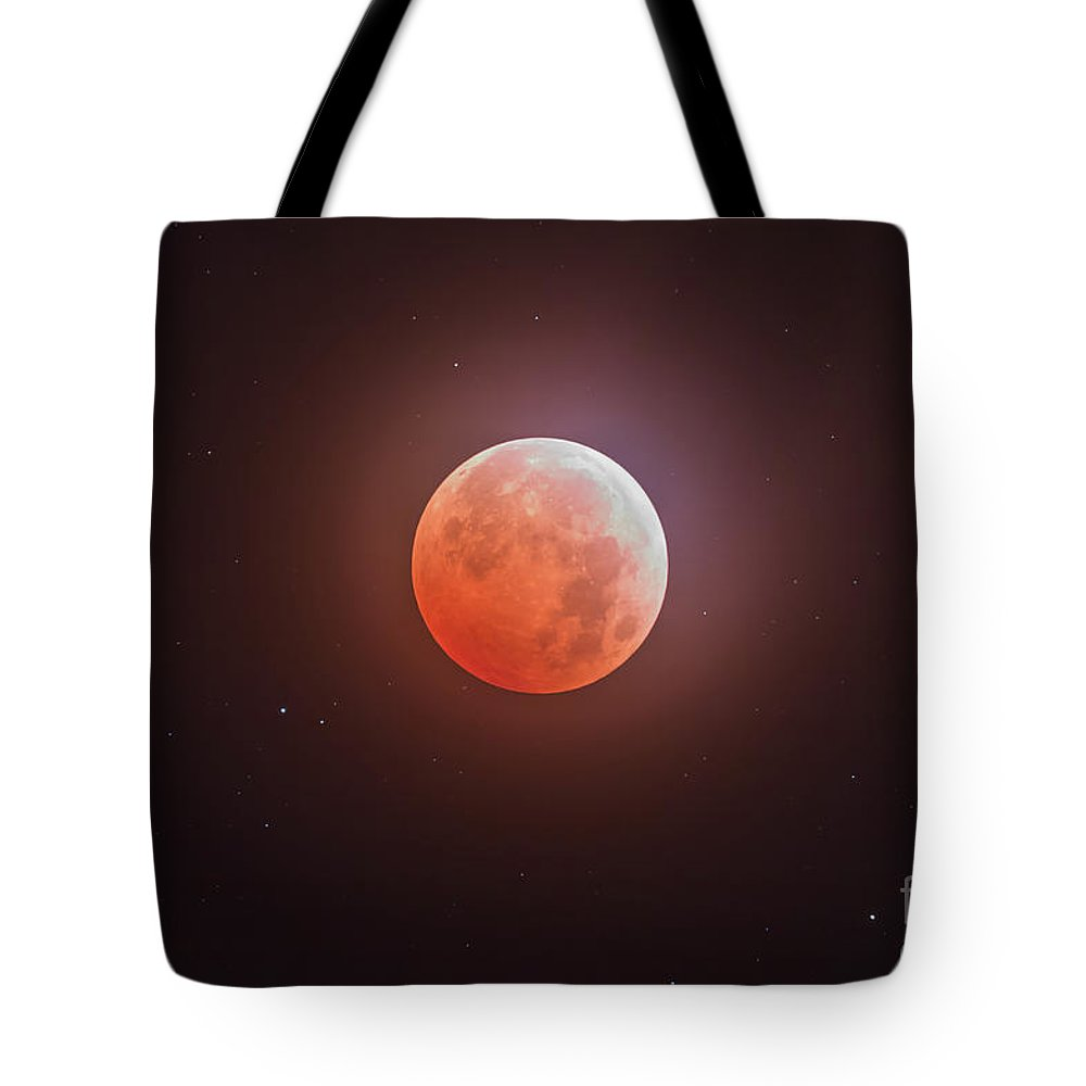 2014 Tote Bag featuring the photograph Total Eclipse Of The Moon by Alan Dyer