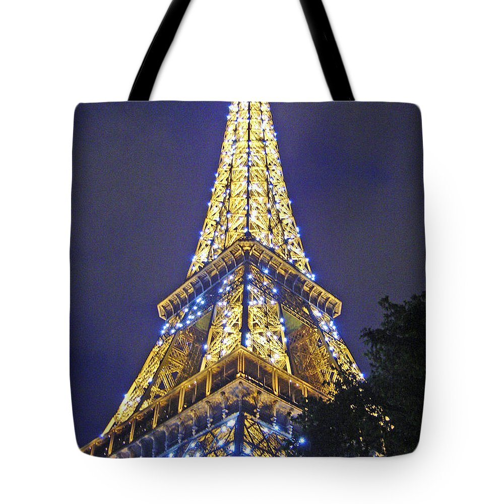Eiffel Tower Paris France Tote Bag featuring the photograph Tour Eiffel 2007 by Joanne Smoley