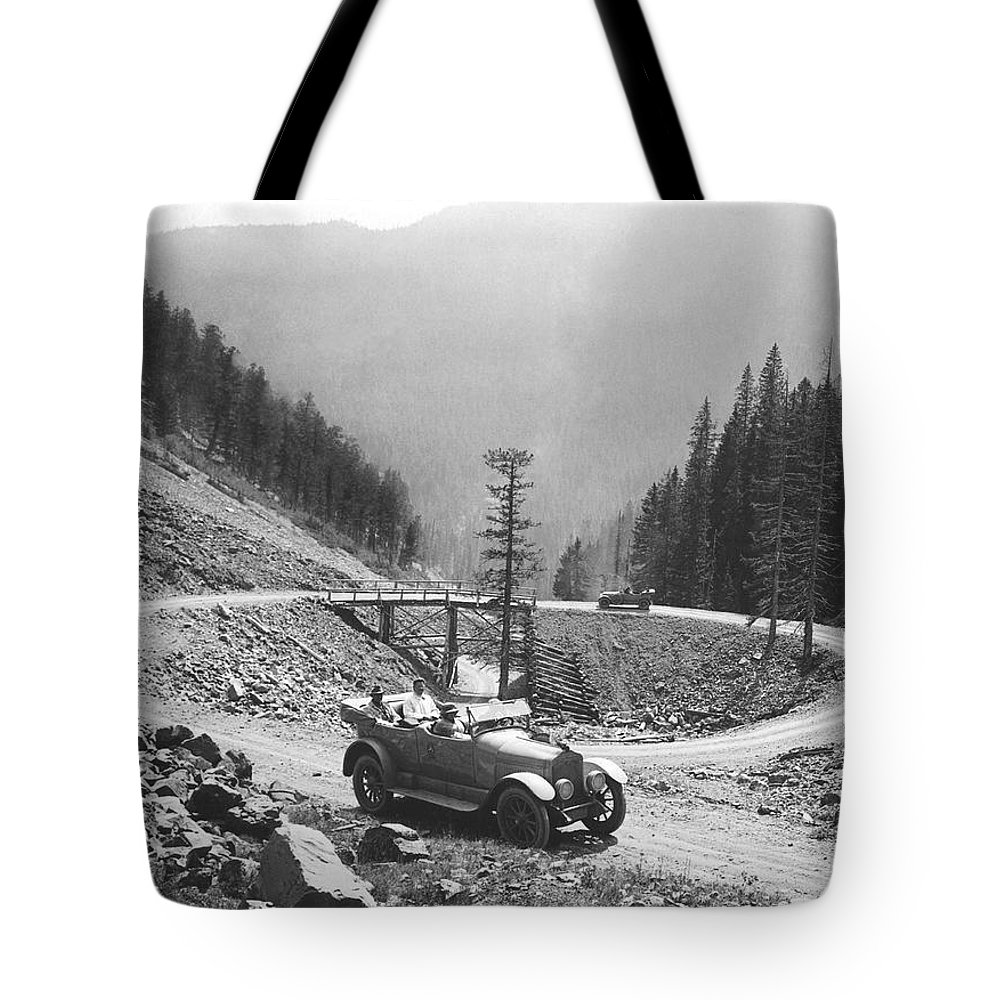 1920 Tote Bag featuring the photograph Tourists In Yellowstone by Underwood Archives