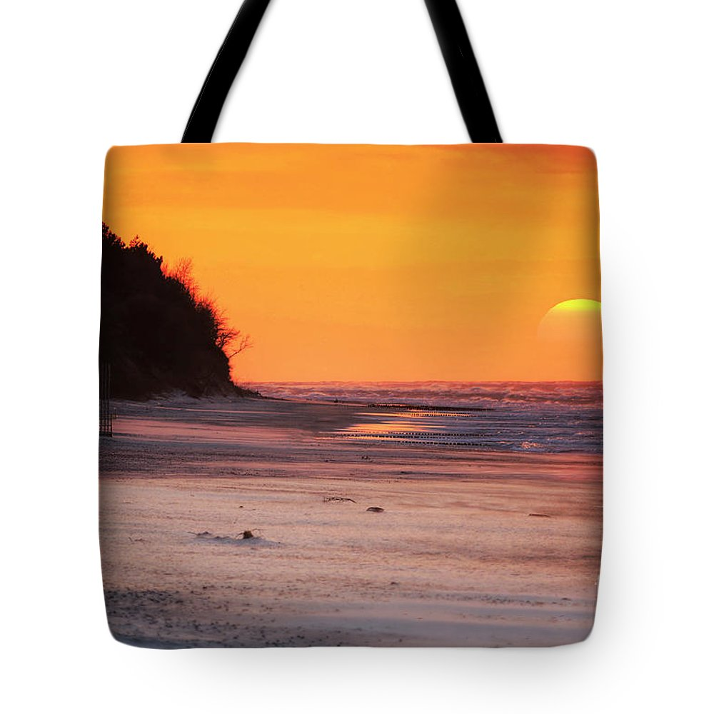 Sunset Tote Bag featuring the photograph Towards The Sunset by Marek Rutkowski