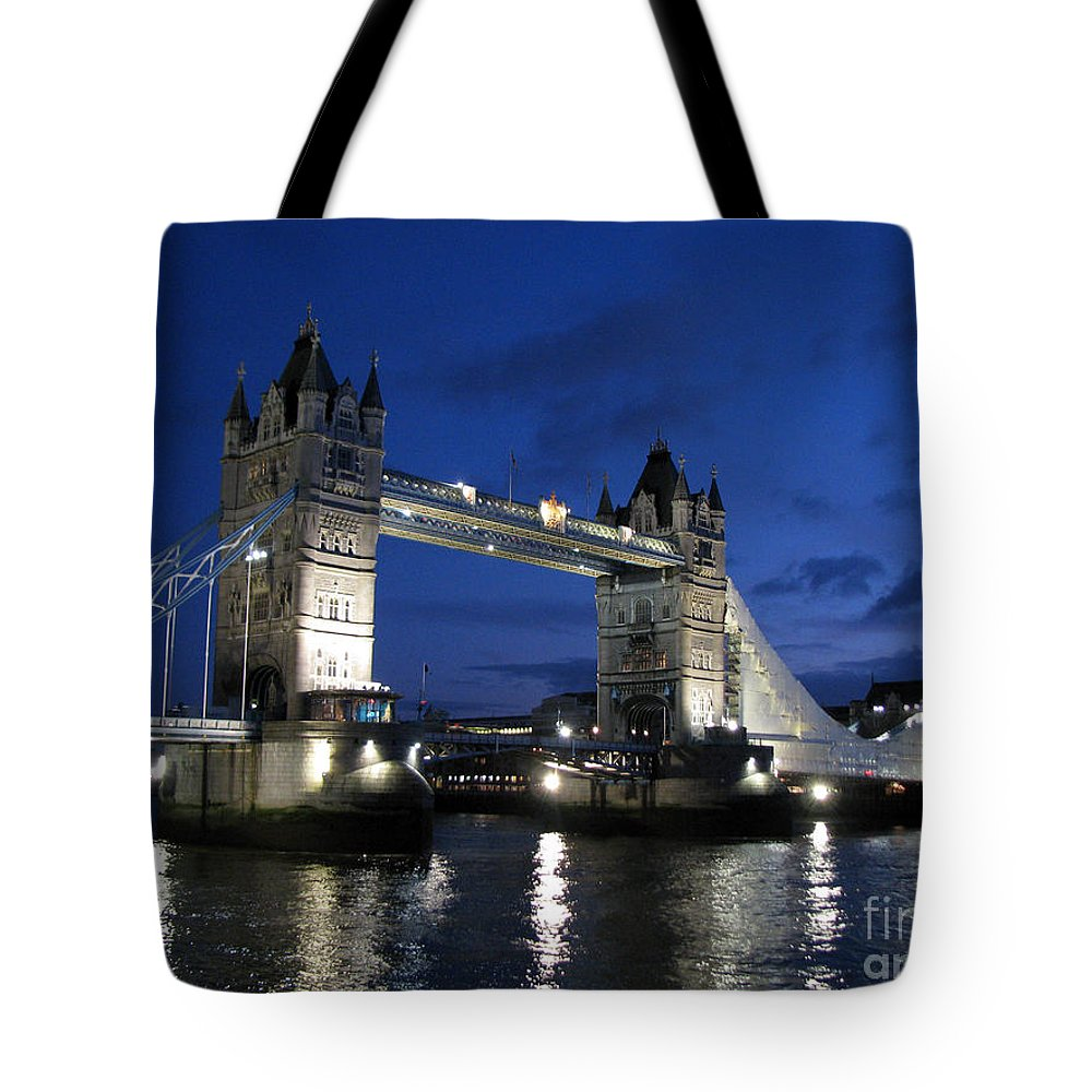 London Tote Bag featuring the photograph Tower Bridge by Amanda Barcon