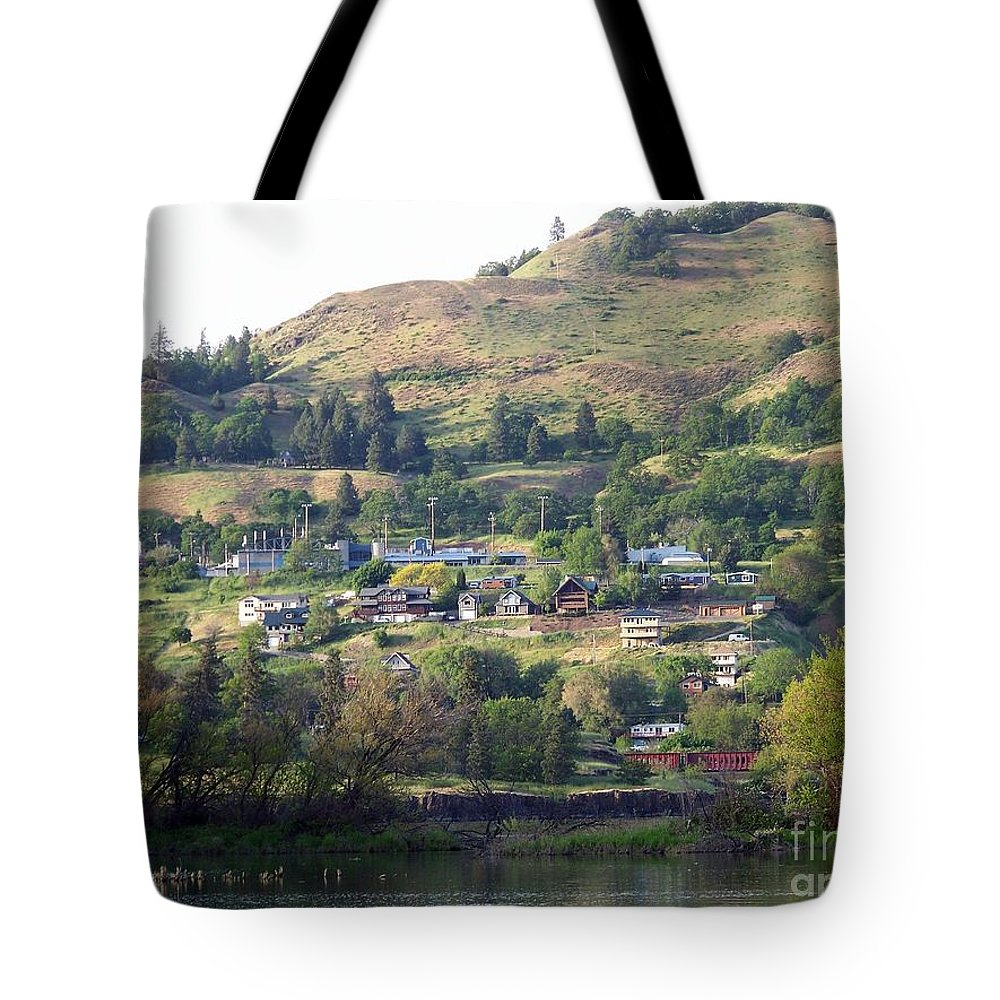 Town Tote Bag featuring the photograph Town Of Lyle by Charles Robinson