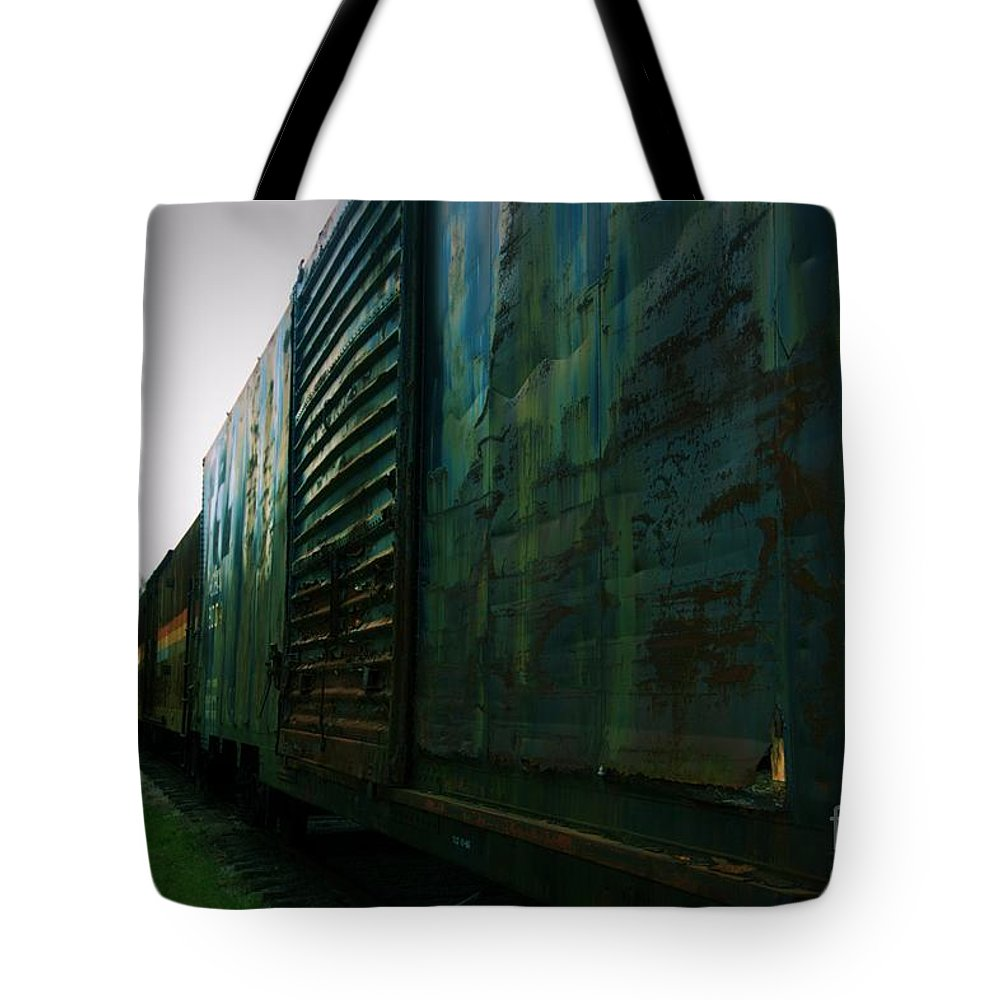 Train Tote Bag featuring the photograph Trains 12 Vign by Jay Mann