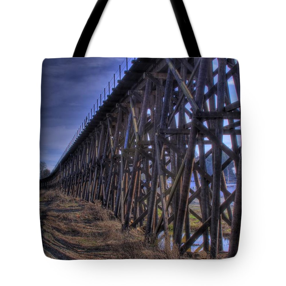 Tressel From The East Tote Bag featuring the photograph Tressel From The East by David Patterson