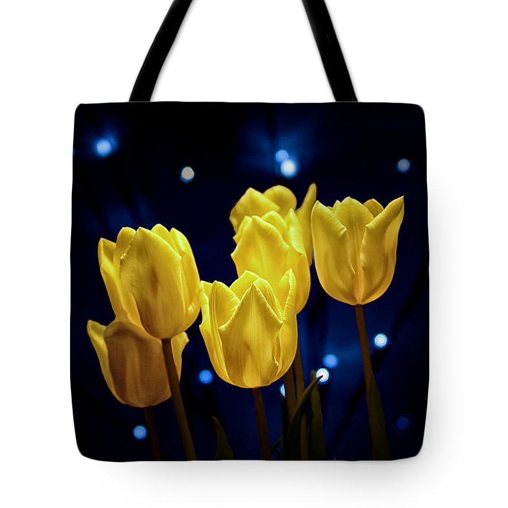 Arrangement Tote Bag featuring the photograph Tulip Twinkle by Tom Mc Nemar