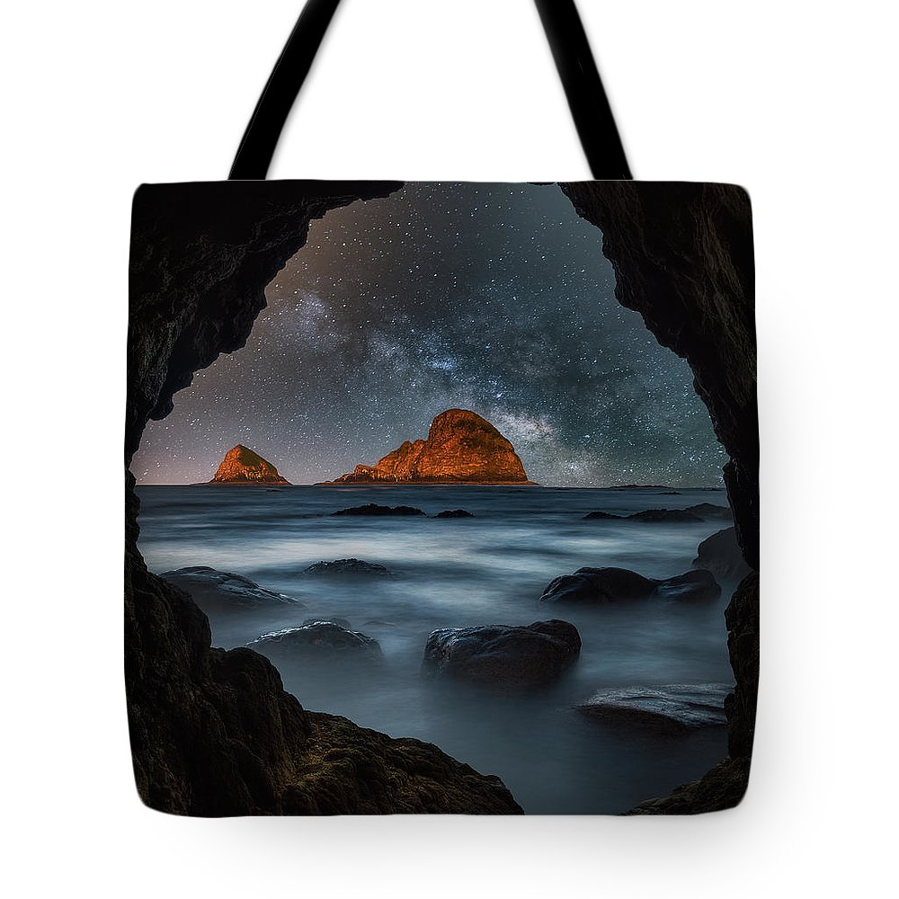 Milky Way Tote Bag featuring the photograph Tunnel View Nights by Darren White