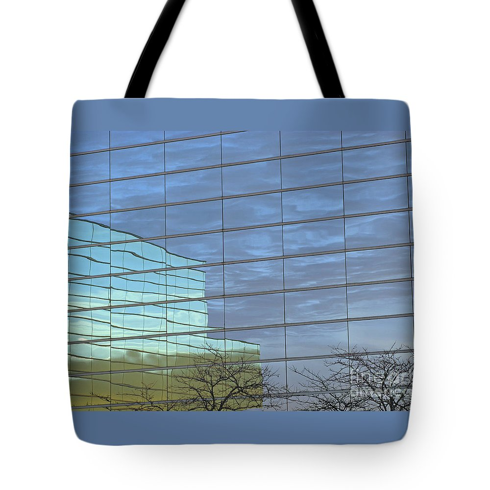 Twilight Tote Bag featuring the photograph Twilight by Ann Horn