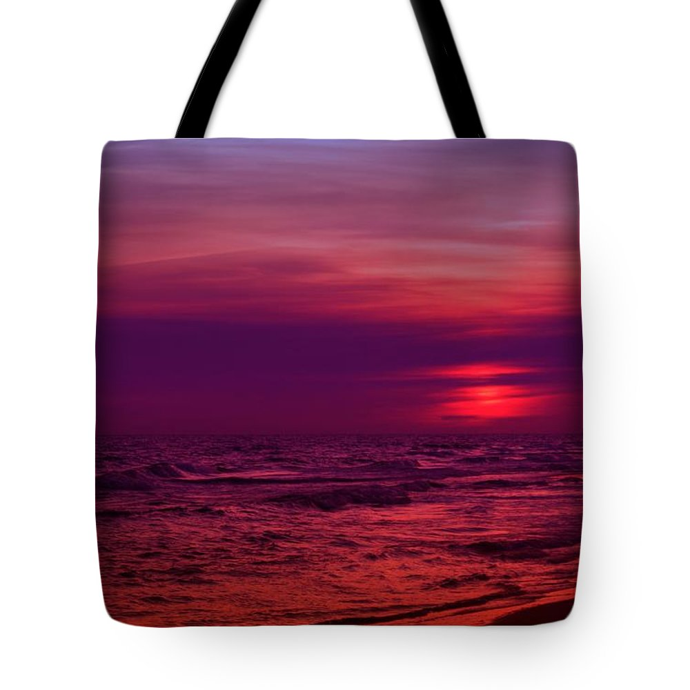 Panama City Beach Tote Bag featuring the photograph Twilight by Sandy Keeton
