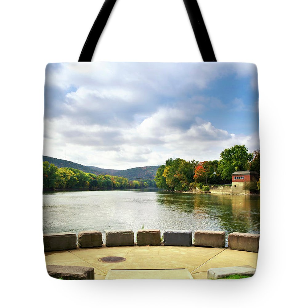 Binghamton Tote Bag featuring the photograph Two Rivers Confluence Park by Christina Rollo
