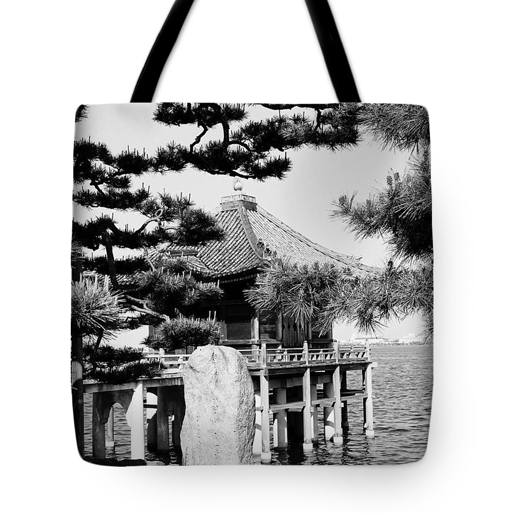 Asia Tote Bag featuring the photograph Ukimi-do Temple by Juergen Weiss