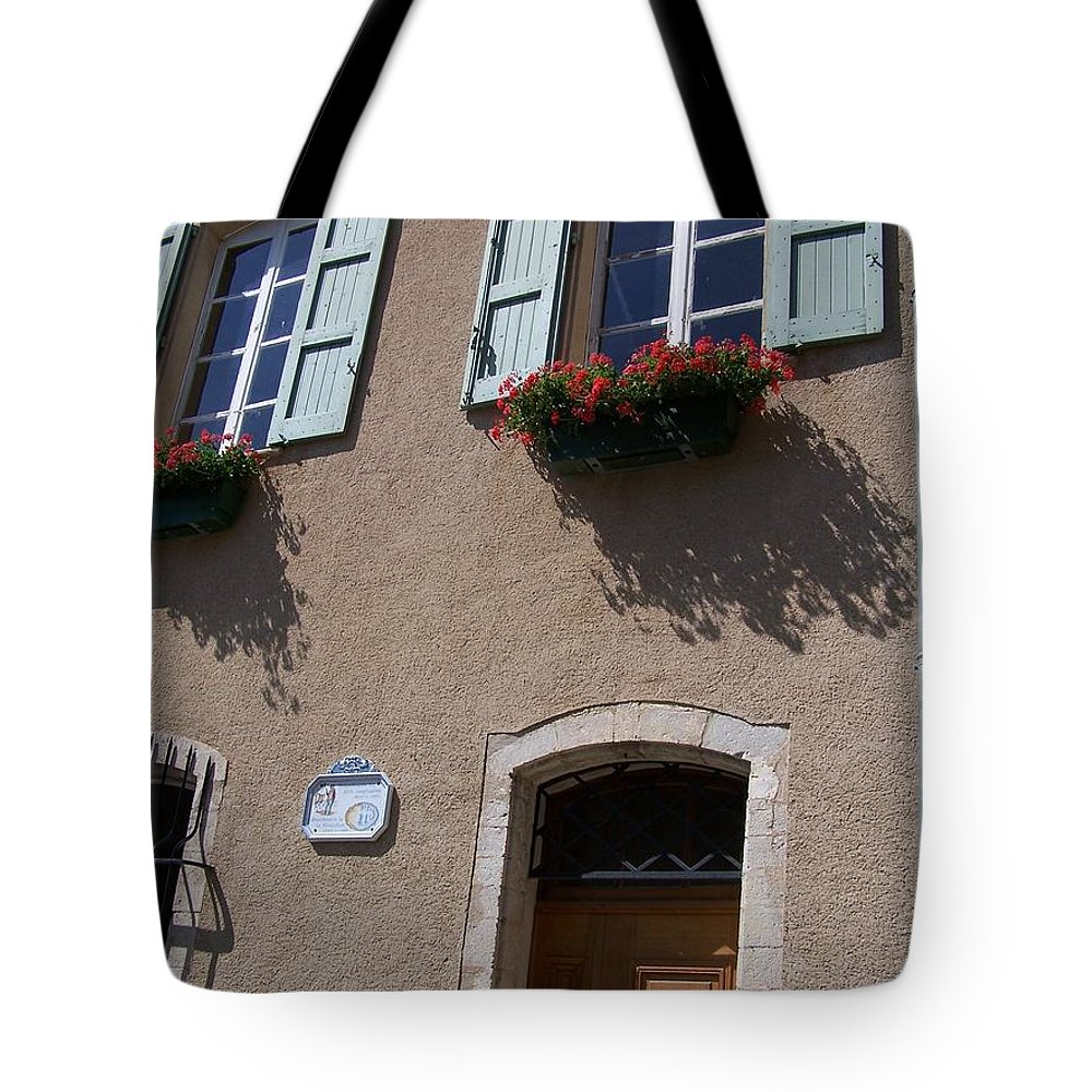 House Tote Bag featuring the photograph Un Maison by Nadine Rippelmeyer