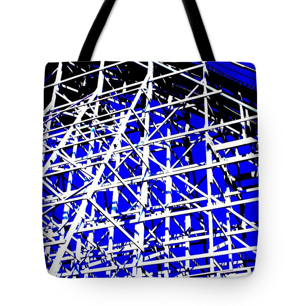 Up And Away Tote Bag featuring the photograph Up And Away by Ed Smith
