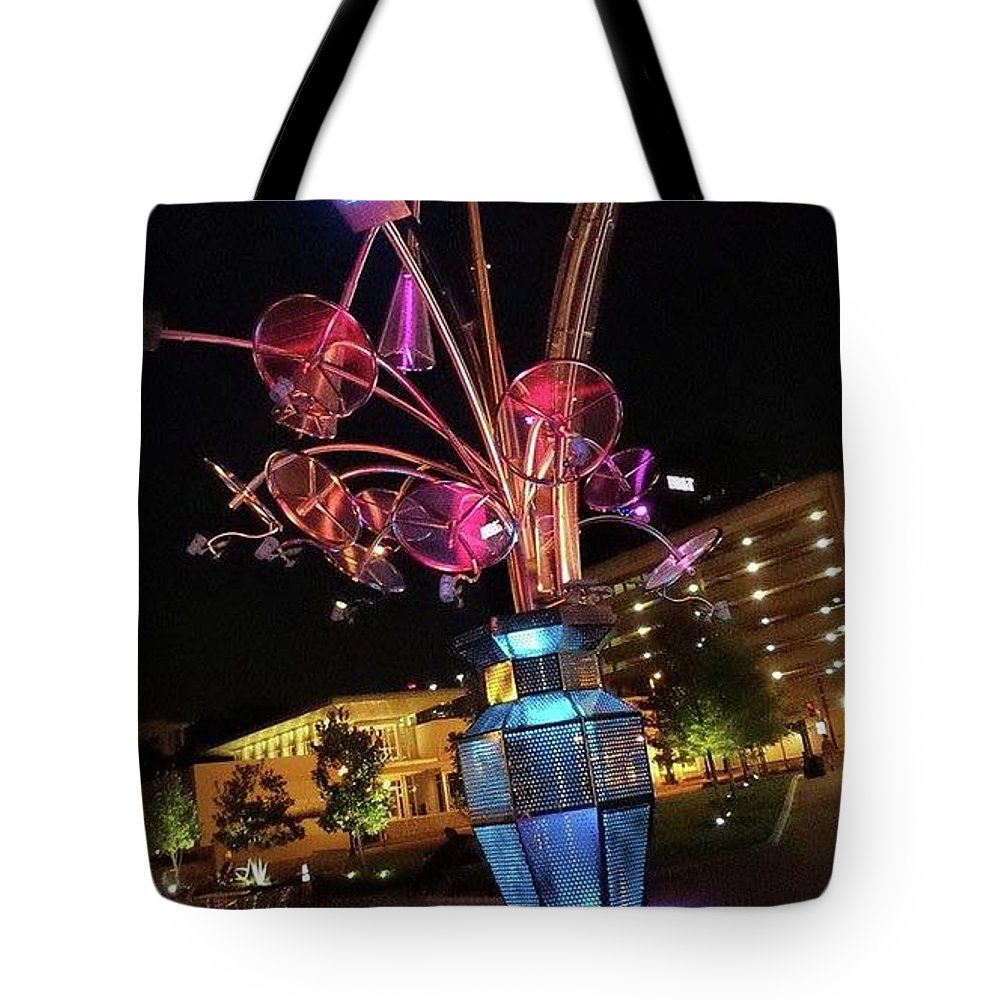 City Urban Suburban Norfolk Virginia 757 Cityscape Landscape Downtown Towns Neon Art Structure Light City Light Flower Buildings Street Life Tote Bag featuring the photograph Urban Flower by Lon Bennett