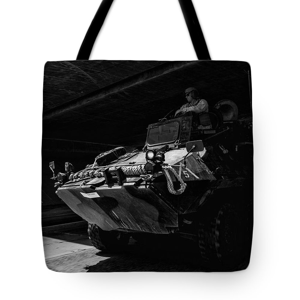 2014 Tote Bag featuring the photograph Usmc Lav-25 by Tommy Anderson