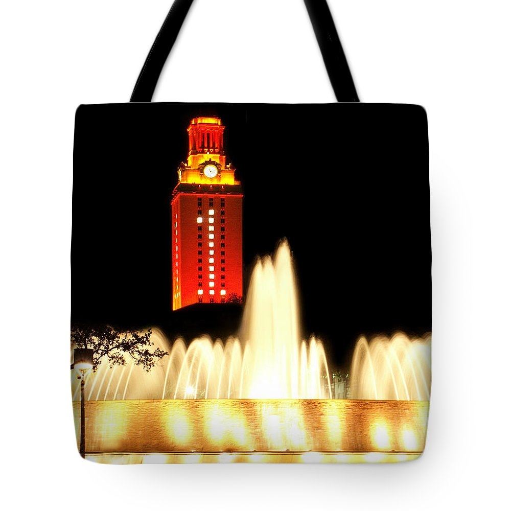 Photo Tote Bag featuring the photograph Ut Tower Championship Win by Marilyn Hunt