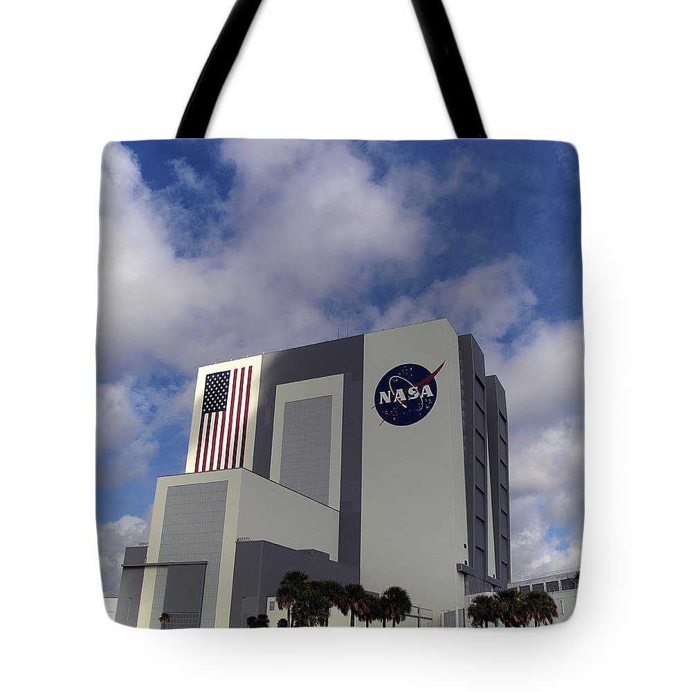 Cape Tote Bag featuring the photograph Vab At Kennedy Space Center by Allan Hughes