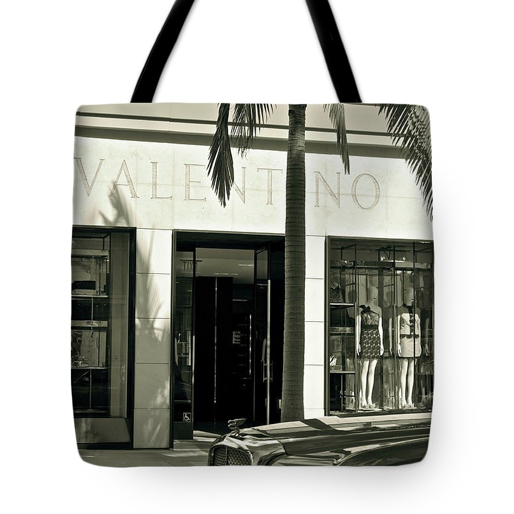 Valentino Tote Bag featuring the photograph Valentino On Rodeo Drive by Gwyn Newcombe