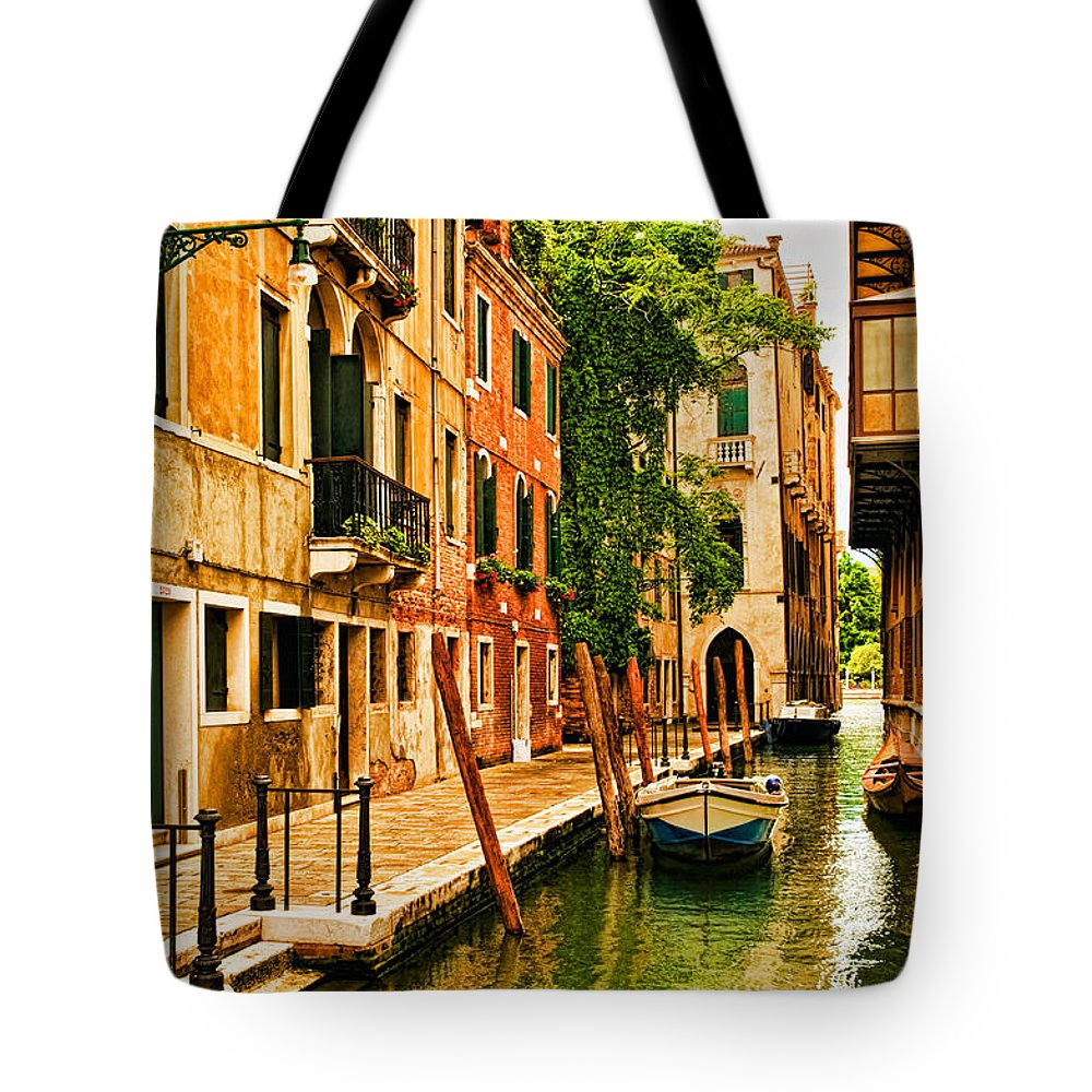 Venice Tote Bag featuring the photograph Venice Alley by Mick Burkey