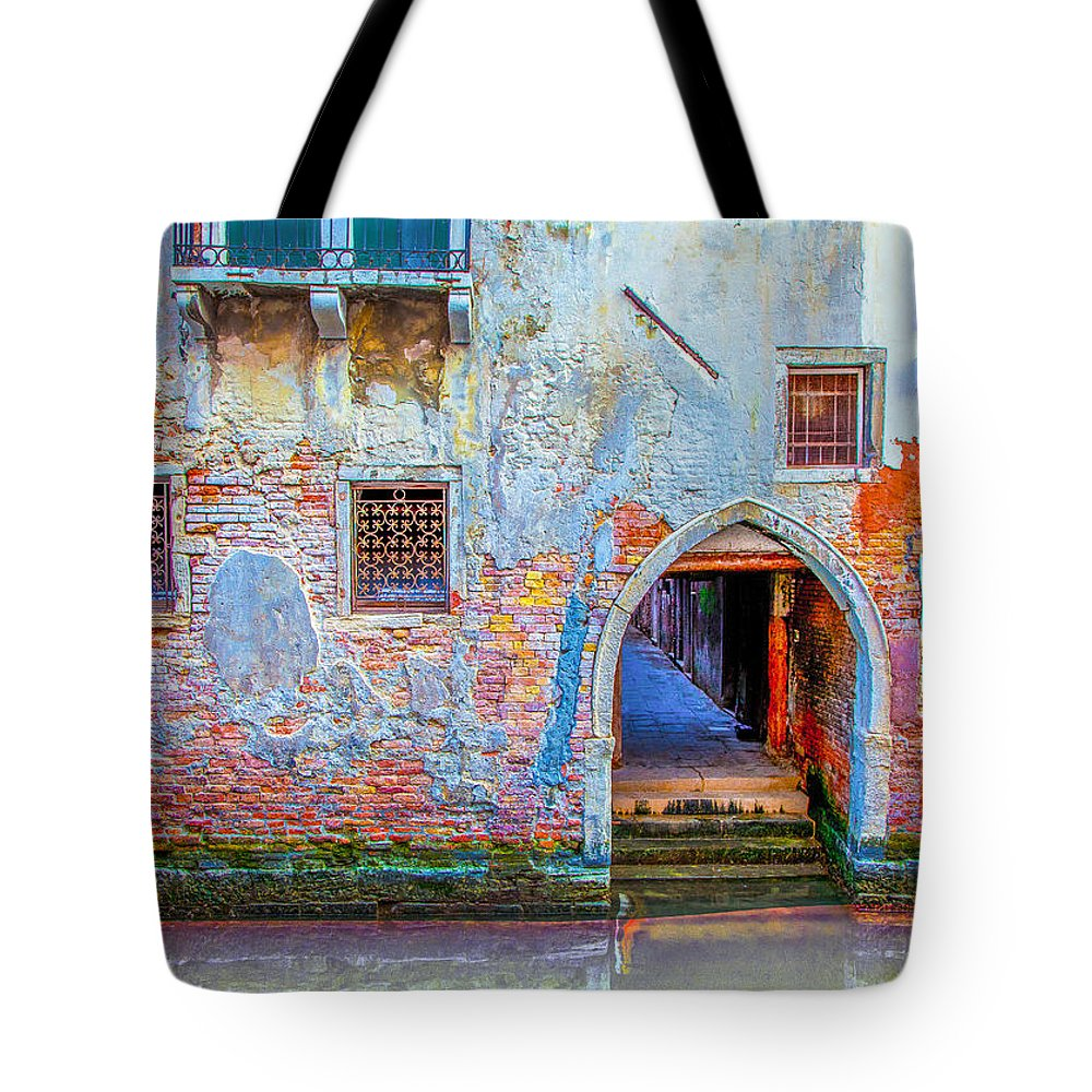 Italy Tote Bag featuring the photograph Venice Canareggio Palace by Jean-luc Bohin
