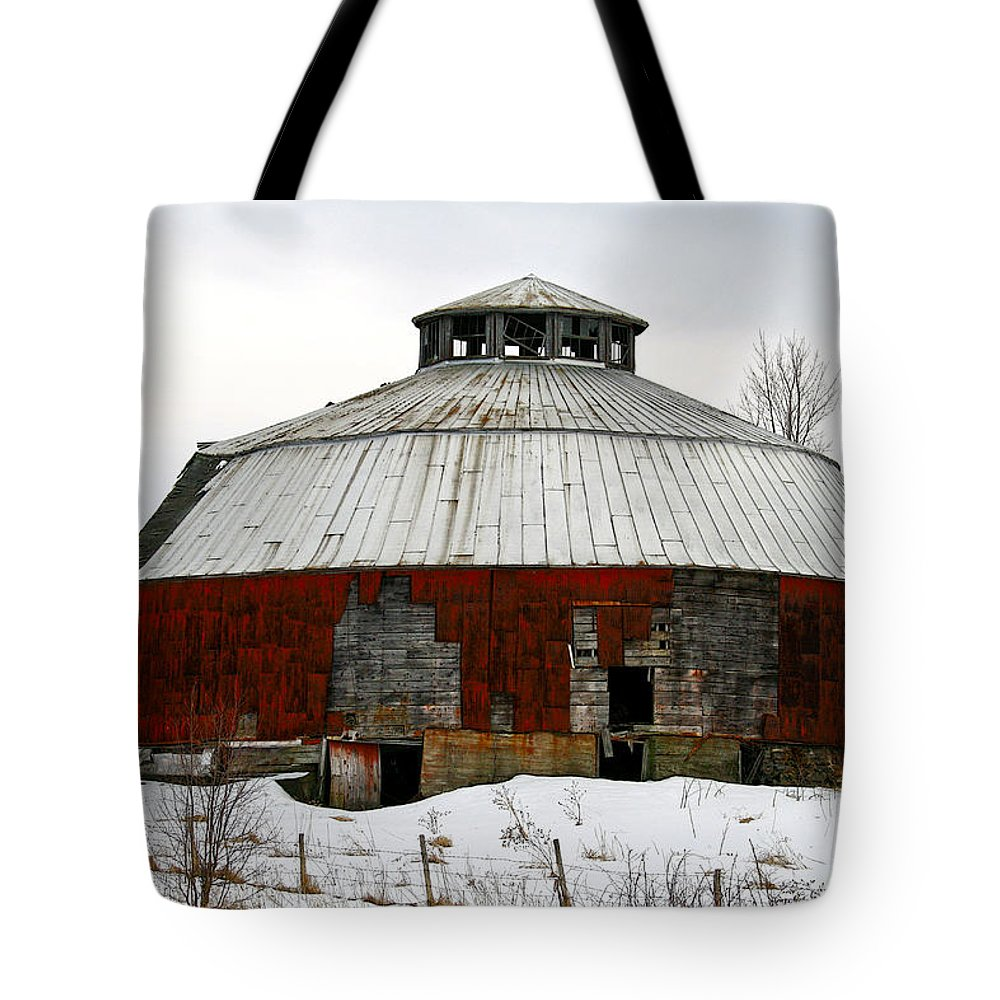 Barn Tote Bag featuring the photograph Vermont Round Barn by Deborah Benoit