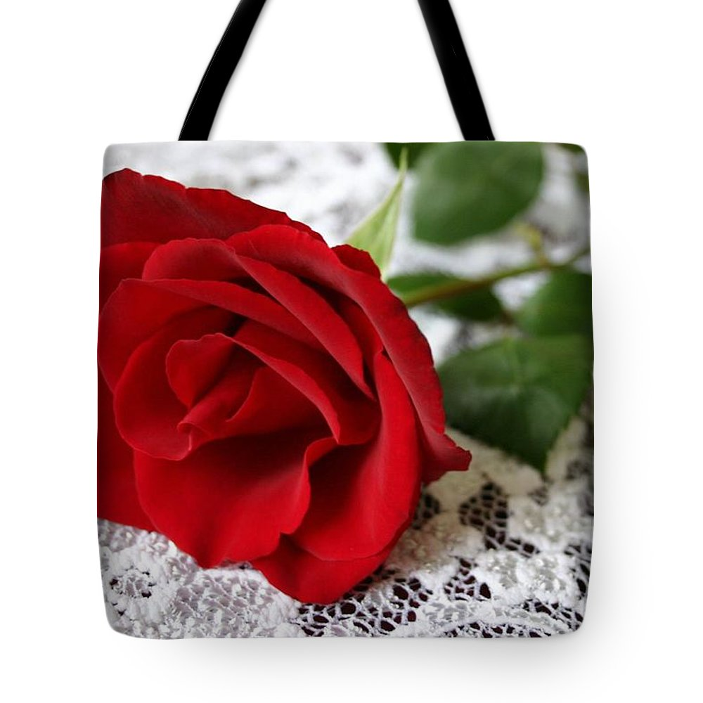 Red Rose Tote Bag featuring the photograph Victorian Rose by Kristin Elmquist