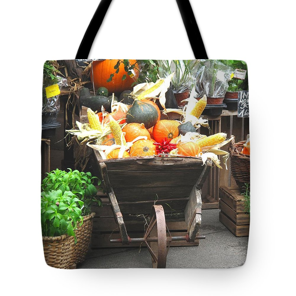 Vienna Tote Bag featuring the photograph Vienna New Market by Ian MacDonald