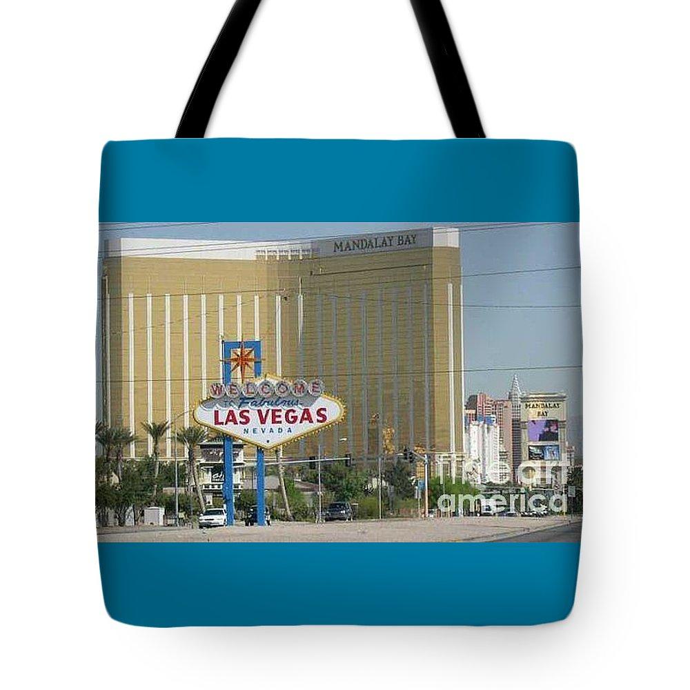 Vegas Tote Bag featuring the photograph Viva Las Vegas by Barb Montanye Meseroll