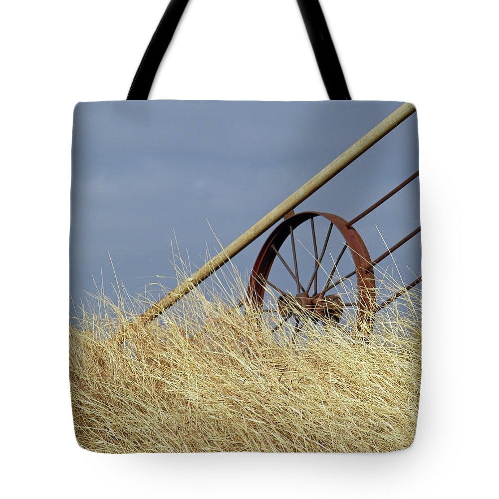 Wagon Wheel Tote Bag featuring the photograph Wagon Wheel Fence by Gale Cochran-Smith