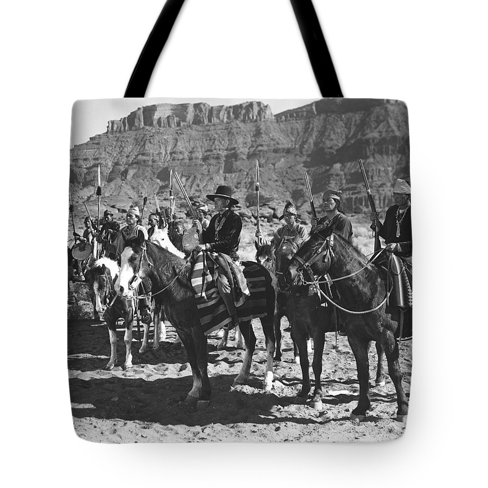 Arizona Tote Bag featuring the photograph Wagons Westward 3 by Bob Bradshaw