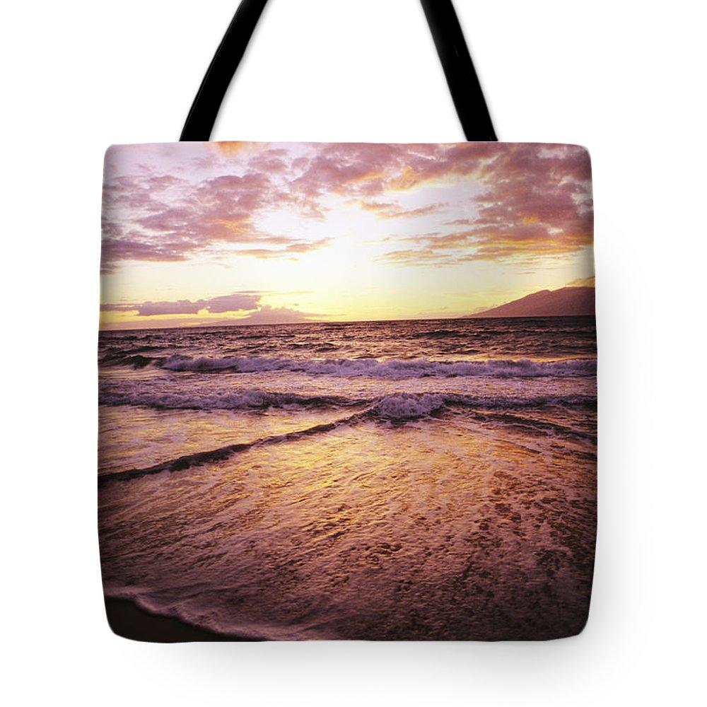 Ashore Tote Bag featuring the photograph Wailea Beach At Sunset by Joe Carini - Printscapes