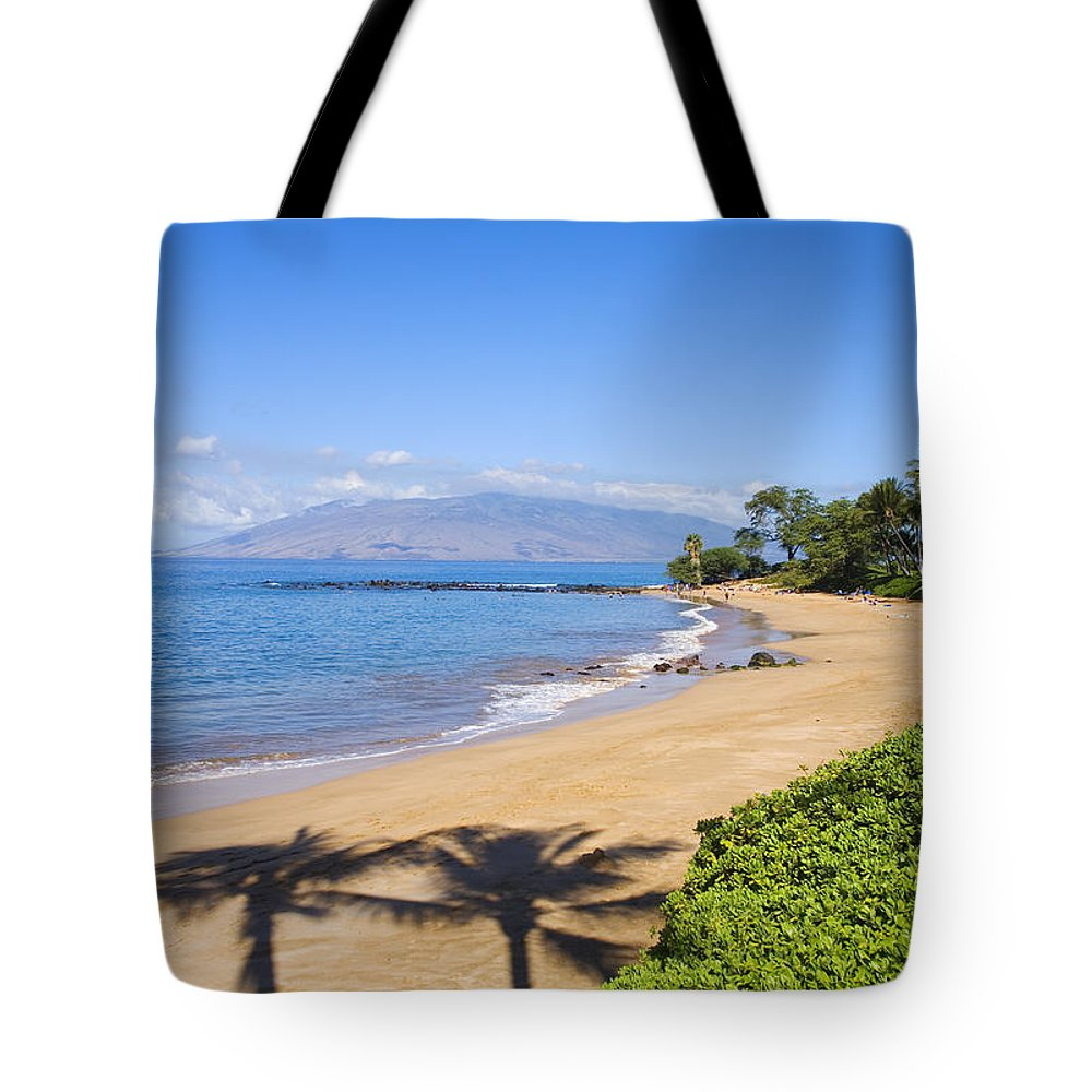 Beach Tote Bag featuring the photograph Wailea, Ulua Beach by Ron Dahlquist - Printscapes