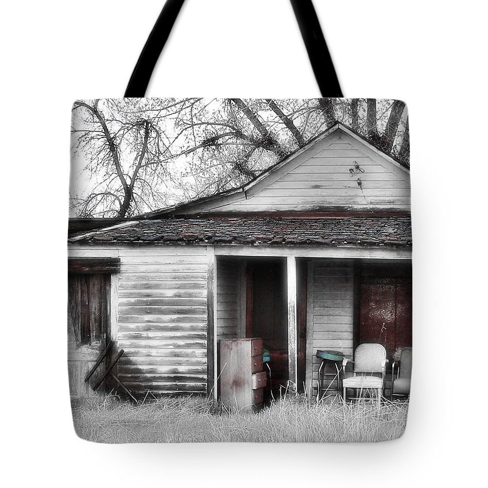 House Tote Bag featuring the photograph Waiting by Susan Kinney