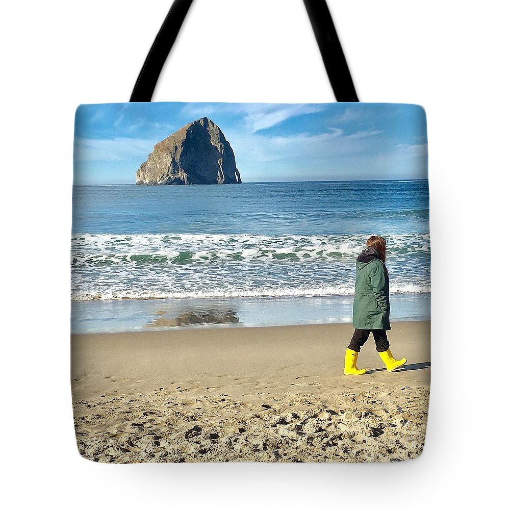 Landscape Tote Bag featuring the photograph Walking On The Beach by Susan Garren