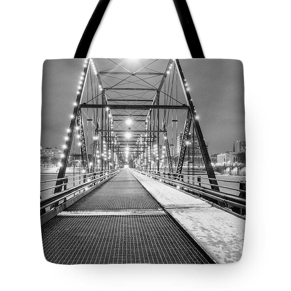 Walnut St. Bridge Harrisburg Pennsylvania Tote Bag featuring the photograph Walnut St. Bridge At Night by John Daly