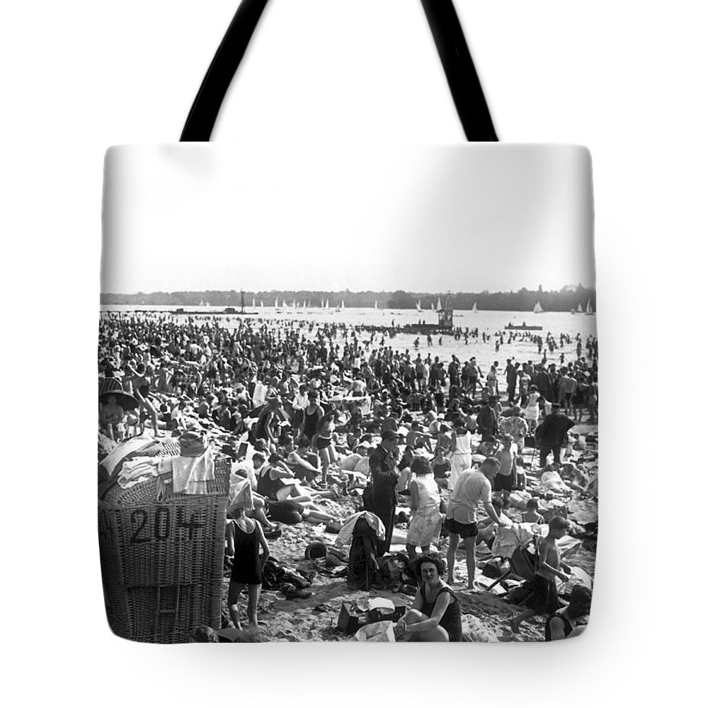 1920s Tote Bag featuring the photograph Wannsee Beach In Berlin by Underwood Archives