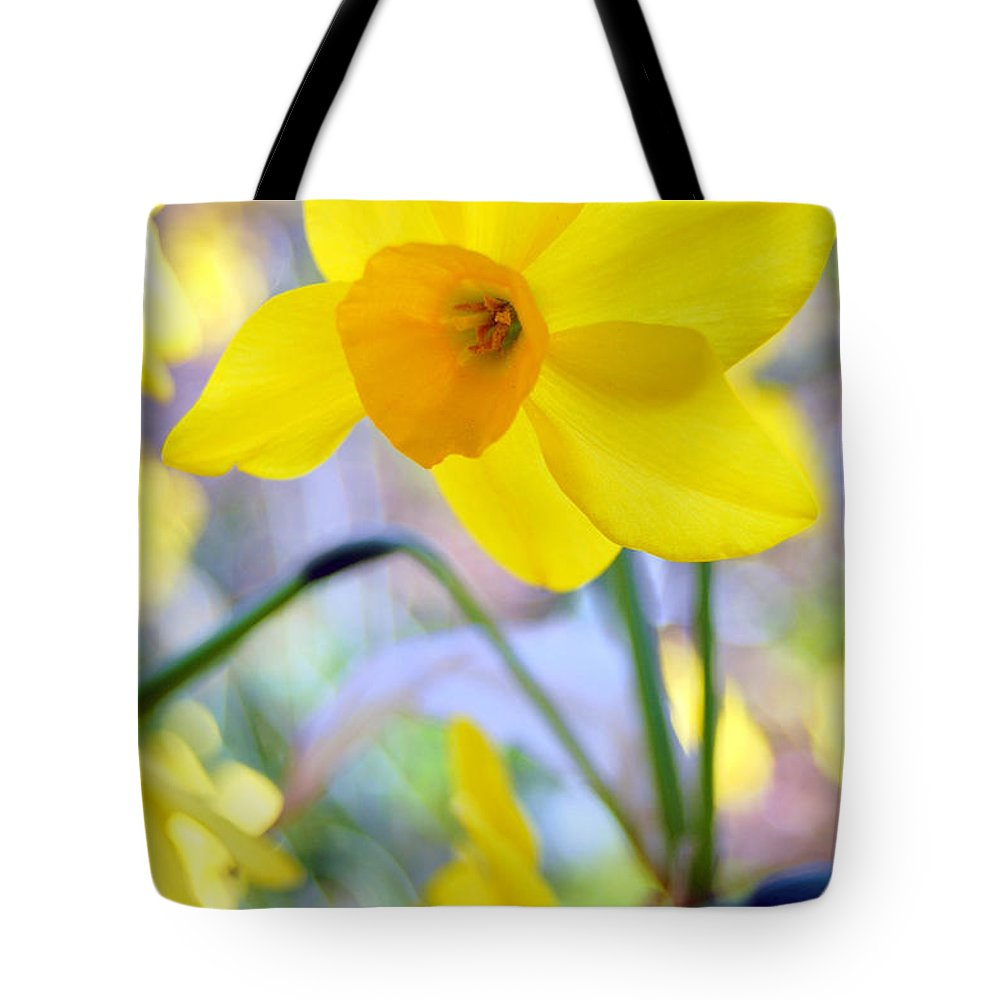 Daffodil Tote Bag featuring the photograph Water Color Daffodil by Amy Fose